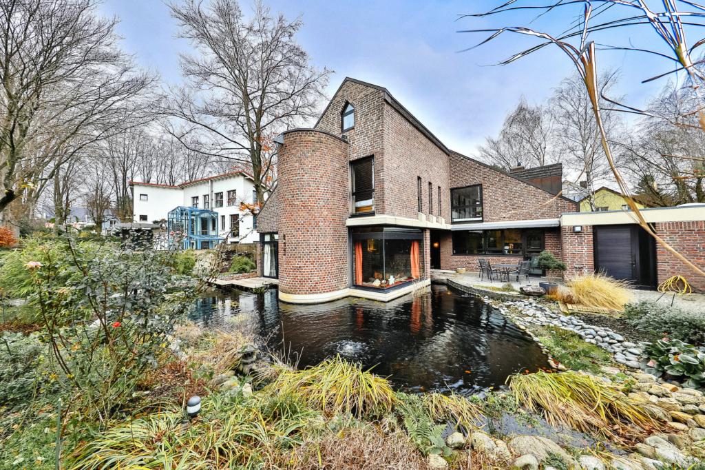 C21- Architektenvilla Wasserspiel!